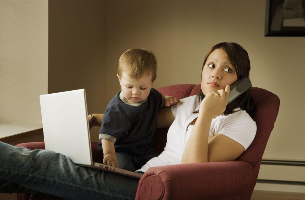 Besonders Frauen vollziehen  den Kraftakt, Beruf und Kinder unter einen Hut zu bringen, durch die Reduzierung ihrer Arbeitszeit. Foto: Design Pics