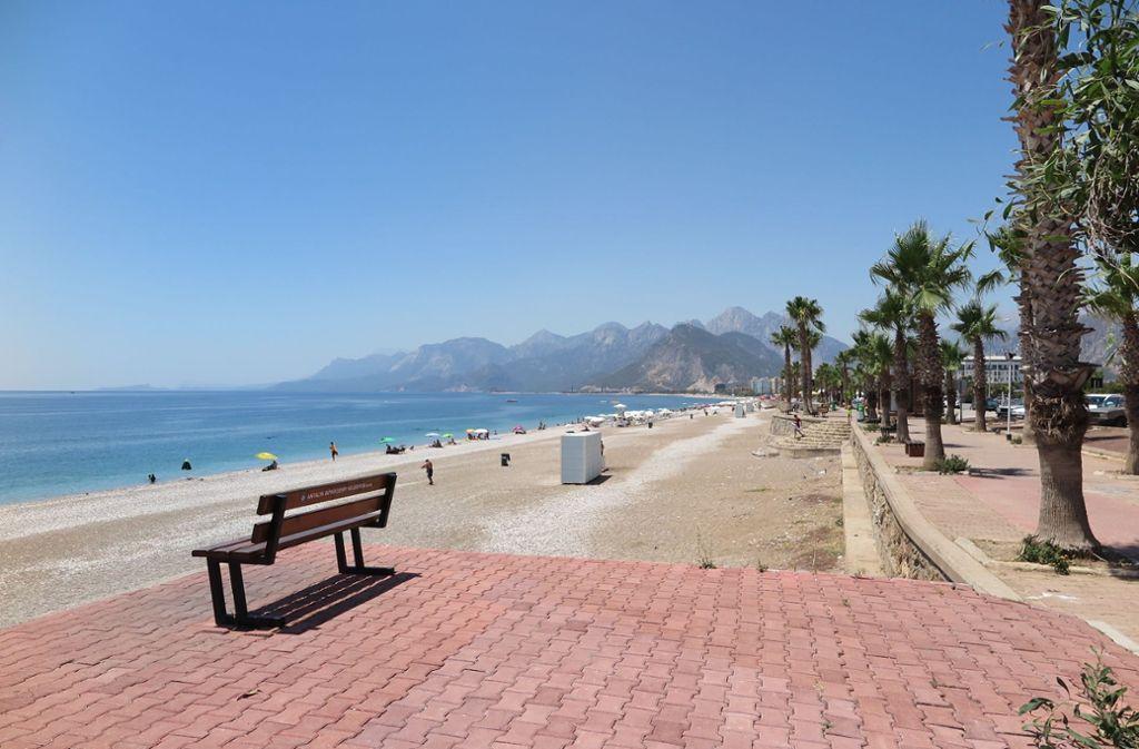 Urlaubsziele in der Türkei, beispielsweise Antalya, werden wieder stärker nachgefragt – das Preis-Leistungs-Verhältnis ist gegenüber anderen Zielen meist deutlich besser. Foto: dpa