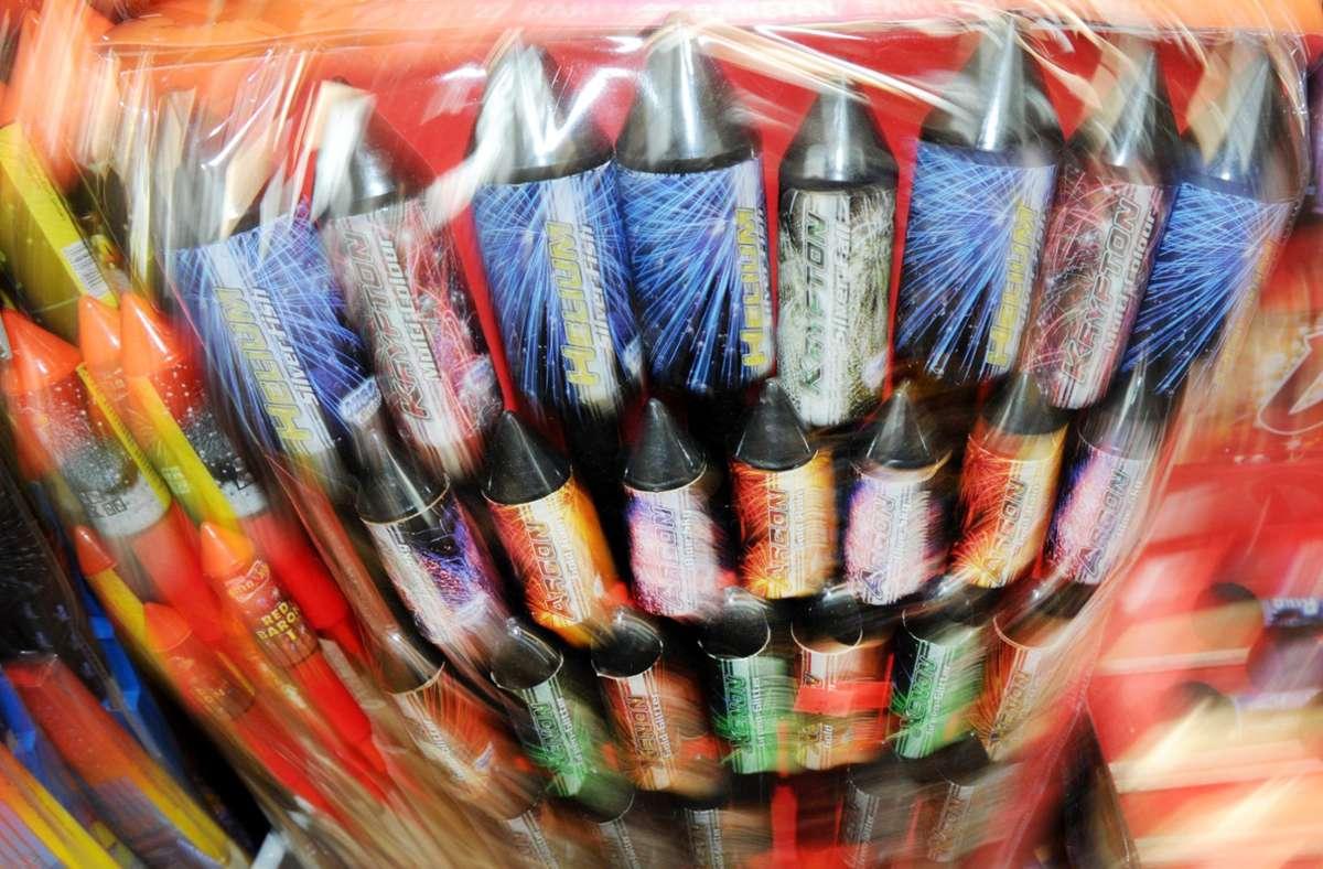 Auch in diesem Jahr soll es einen Feuerwerksverkauf geben. Foto: dpa/Angelika Warmuth