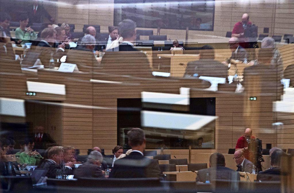 Der Untersuchungsausschuss zur rechtsextremen Terrorzelle NSU tagt im Landtag in Stuttgart. Foto: dpa
