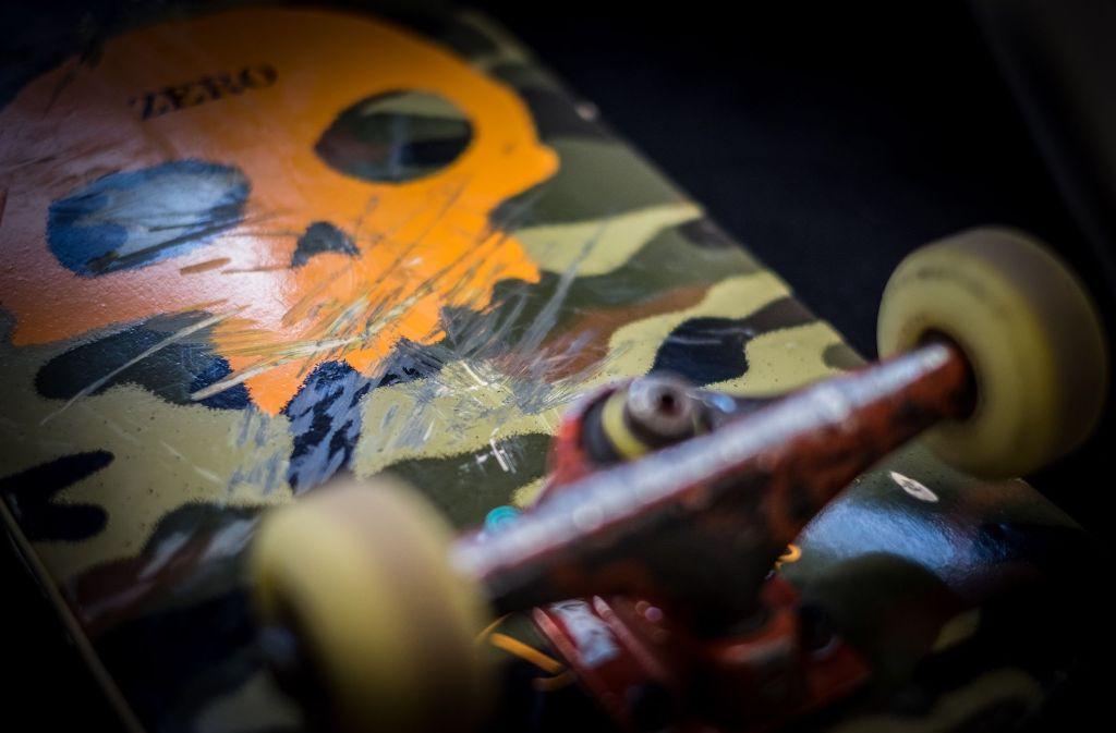 Ein 13-Jähriger wurde durch einen Schlag mit einem Skateboard schwer verletzt. (Symbolfoto) Foto: Lichtgut/Max Kovalenko
