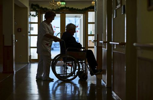 Angehörige kritisieren starke Preissprünge in Pflegeheimen