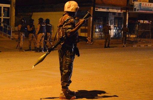 Sicherheitskräfte befreien 126 Menschen