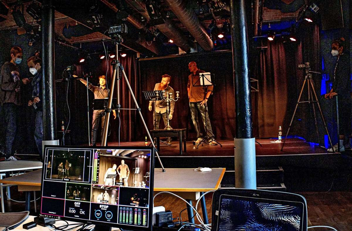 Viel Technik ist notwendig für die Aufzeichnung der Aufführungen des Neat Theaters im Merlin. Foto: /uka (z)