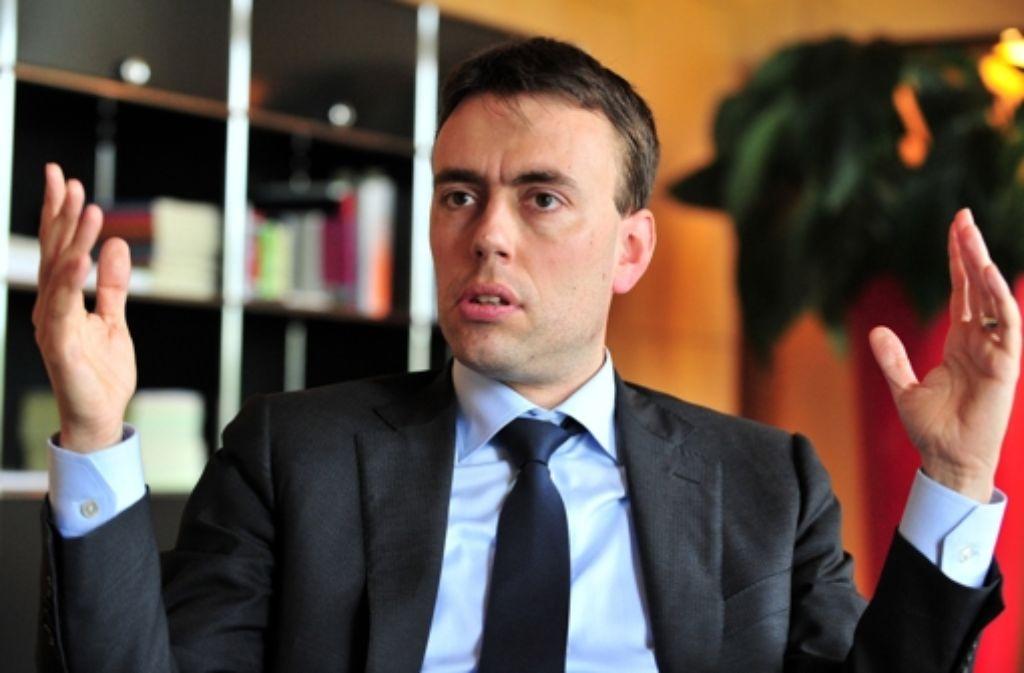 Finanzminister Nils Schmid (SPD) erntet nur Proteste, aber keine Vorschläge. Foto: dpa