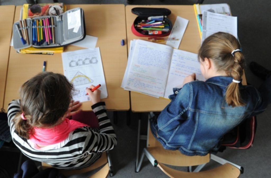 Wie wird künftig der Unterricht für die Schülerinnen und Schüler in Baden-Württemberg gestaltet? Darüber wurde am Mittwoch im Stuttgarter Landtag diskutiert. Foto: dpa/Symbolbild
