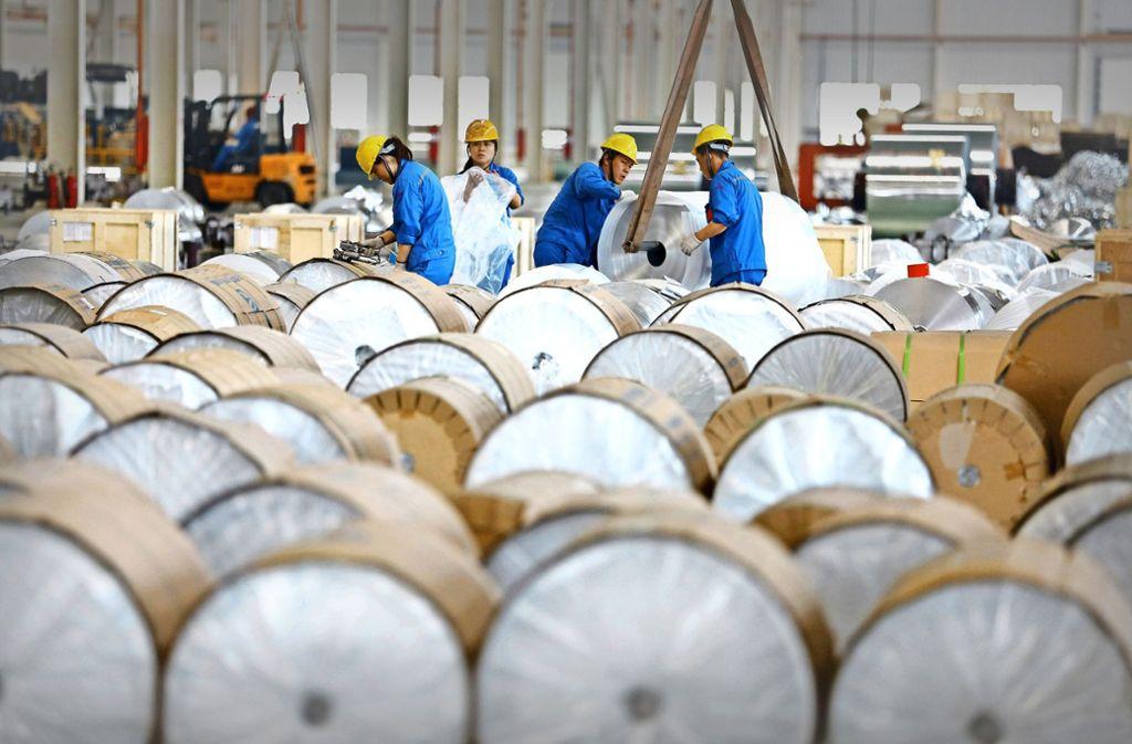 Innerhalb von nur zehn  Jahren hat  China die  Aluminiumproduktion  vervierfacht und  seinen  Marktanteil   massiv ausgebaut. Foto: AFP