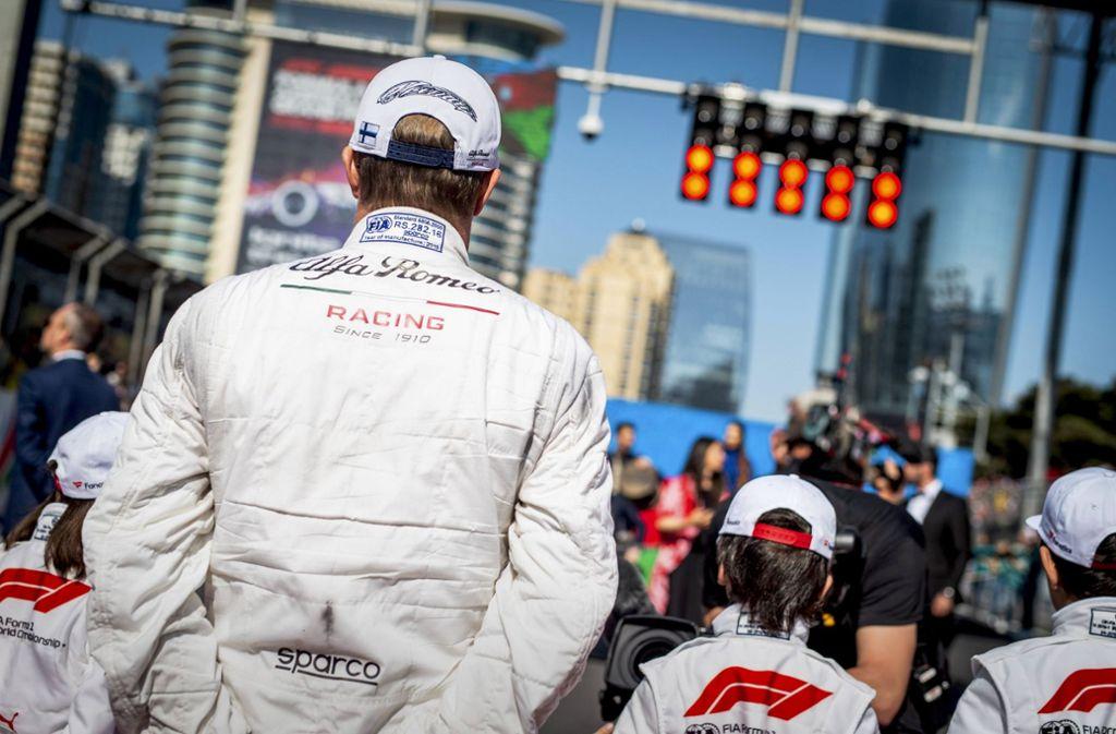 Die Ampeln in der  Formel 1 stehen auf rot – auch der Grand Prix von Aserbaidschan wird verschoben. Foto: imago/HochZwei