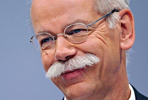 Daimler-Chef Dieter Zetsches Vergütung ist  2011 leicht zurückgegangen. Foto: dpa