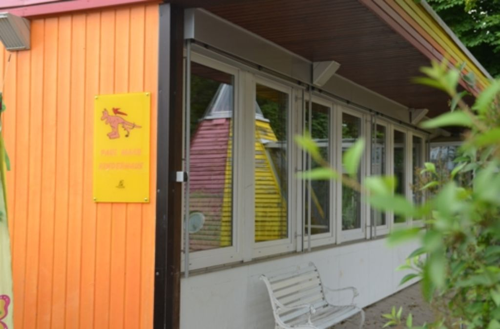 Der Fertigbau des Kindergartens ist nicht sanierungswürdig und wird abgerissen. Foto: J. Noll
