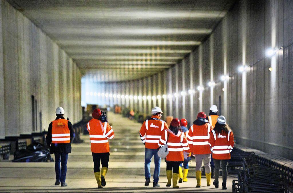 Der Tunnel unter der Autobahn ist fertig, im September 2021 werden die Schienen darin verlegt. Foto: /Horst Rudel