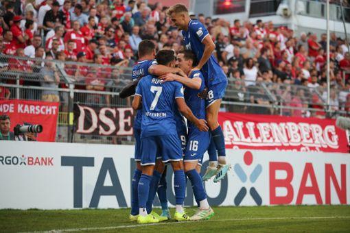 Hoffenheim nach Elfmeterschießen in Runde zwei