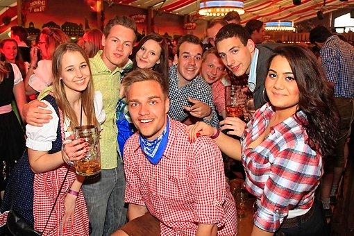 Studenten feiern Onetaste-Party
