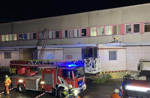Flüchtlingsunterkunft wegen brennender Matratze evakuiert
