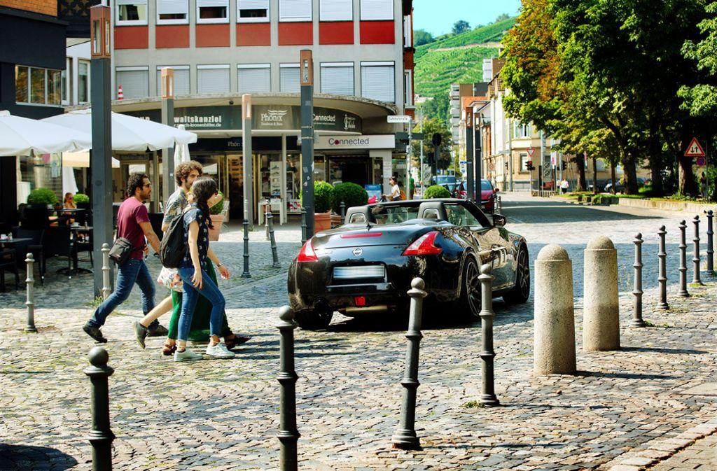 Am Schelztor ist unklar, ob Autos oder Fußgänger den Vorrang haben. Foto: Ines Rudel