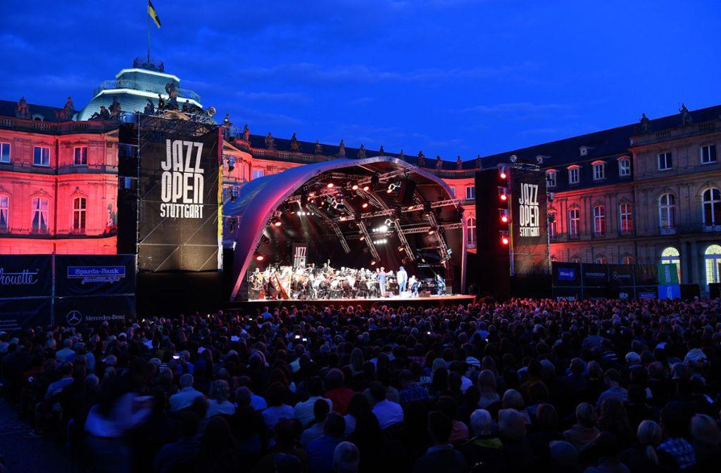 Das Land will die Jazz Open auch im Falle eines Umbaus des Schlosses nicht von seinem angestammten Platz   vertreiben. Foto: Reiner Pfisterer