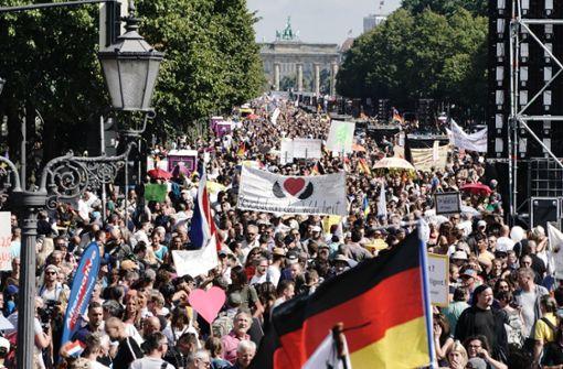 Hauptstadt führt Maskenpflicht bei Demonstrationen ein