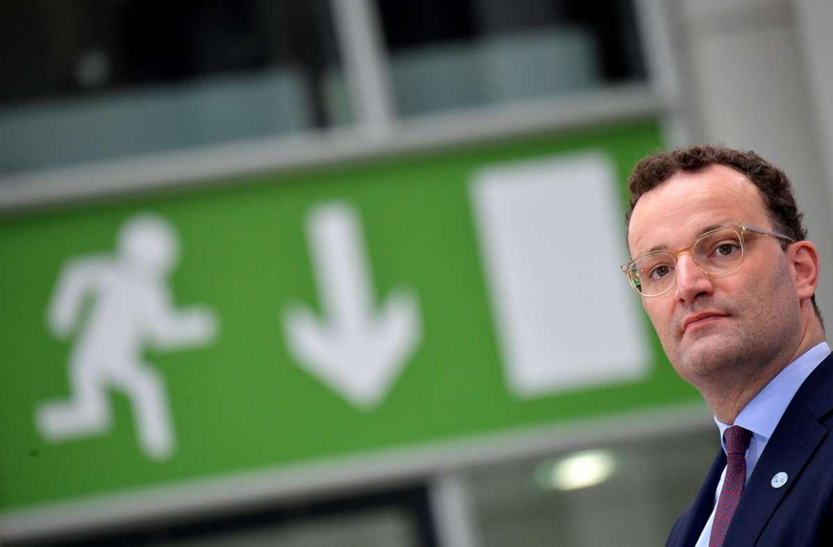 Jens Spahn kündigte die Testpflicht an, die voraussichtlich kommende Woche in Kraft treten soll. Foto: dpa/Tobias Schwarz