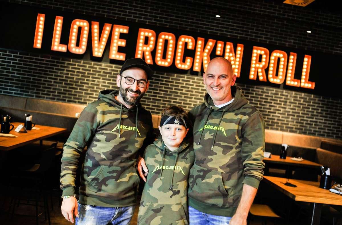 Die Brüder  David (li.) und Juan Blanco del Rio mit Junior  Levi. Foto: Lichtgut/Max Kovalenko