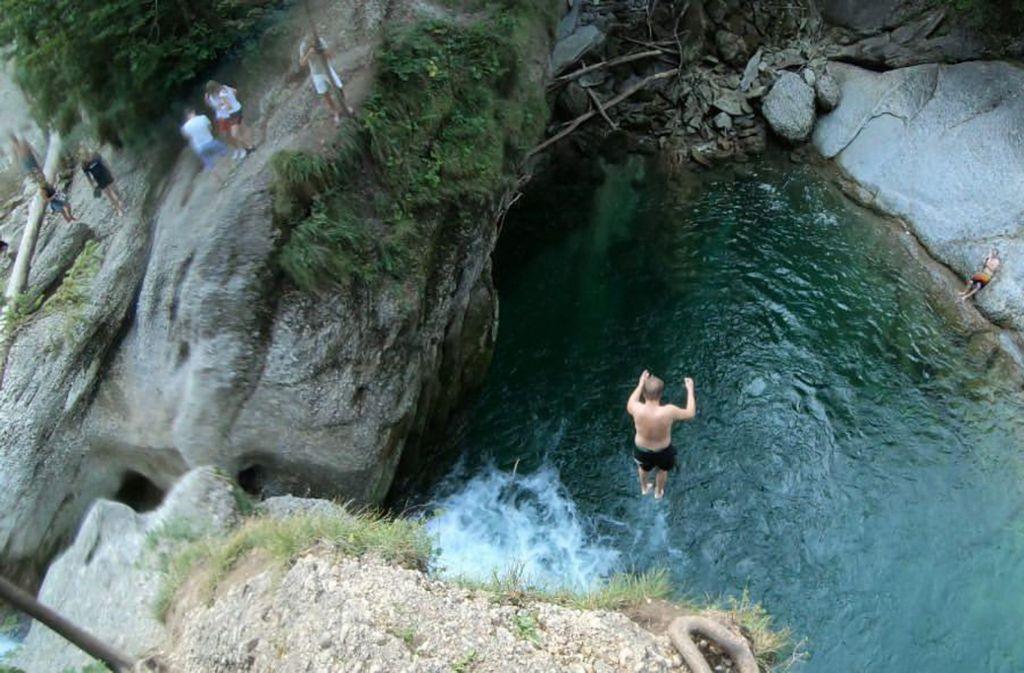 Die Buchenegger Wasserfälle bei Oberstaufen gelten als das Mekka der Gumpenjucker. Foto: Philipp Fordermaier