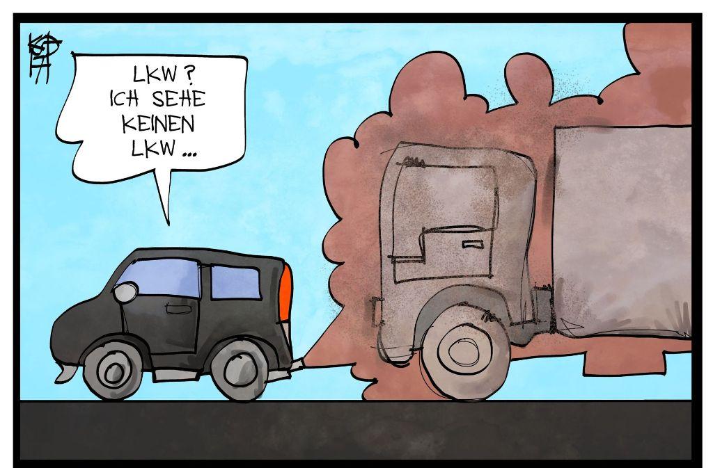 Dreckschleuder? Vom kommenden Jahr an könnten in Stuttgart an Tagen mit hoher Feinstaubbelastung Fahrverbote für Dieselautos verhängt werden, die noch nicht die Abgasnorm Euro 6 erfüllen. Foto: Mauritius