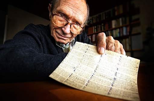 Während der Waldheimer Haft hat Wolfgang Völzke viele Gedichte in Lupenschrift notiert. Deutlich umfangreicher waren die Todeslisten, die er aus dem sowjetischen Straflager schmuggelte. Foto: Foto/Repro: Gottfried Stoppel