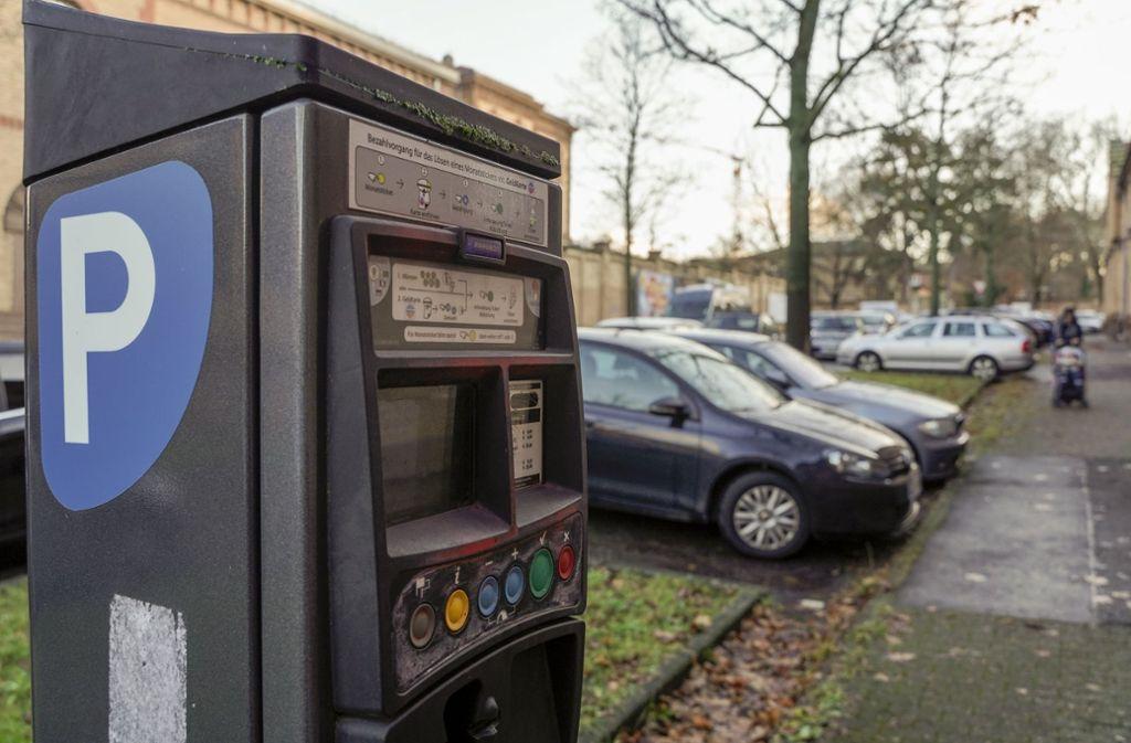 Parken wird in Ludwigsburg teurer – auch für Pendler außerhalb der Innenstadt. Foto: factum/Jürgen Bach