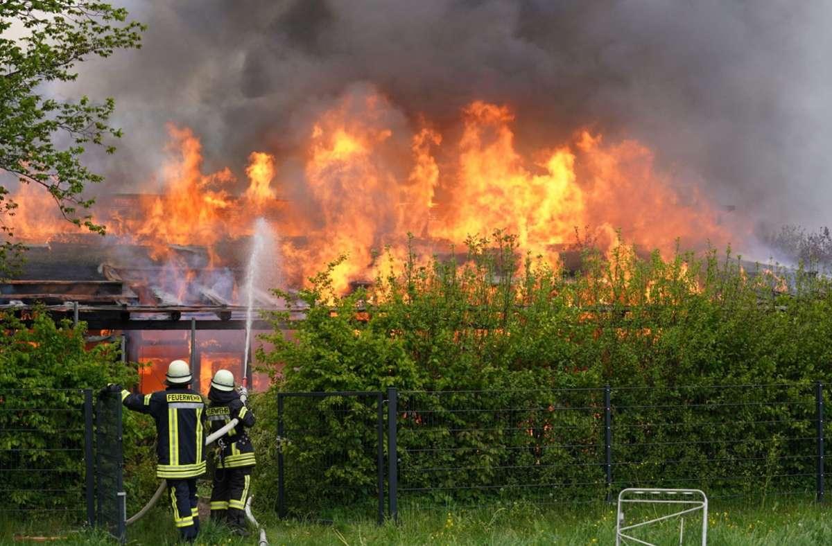 Das Feuer brach am Sonntagnachmittag aus. Foto: SDMG/Kohls
