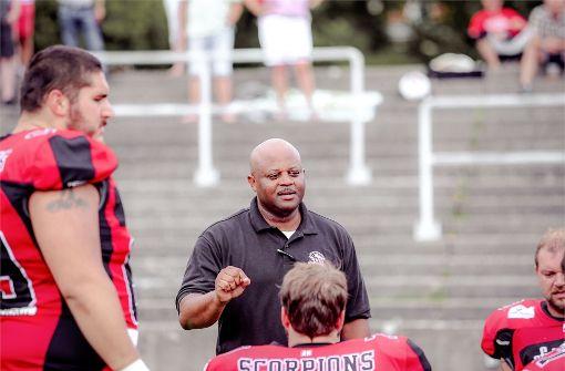 Footballer verpflichten neuen Trainer für die Offensive-Line