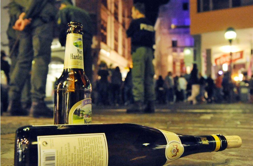 Öffentliche Saufgelage wie hier in Freiburg sollen der Vergangenheit angehören. Foto: AP