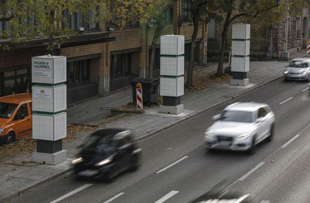 Sind solche Filter die  Rettung in letzter Minute? Am  Neckartor Stuttgart stehen sie bereits. Foto: Lg/Piechowski