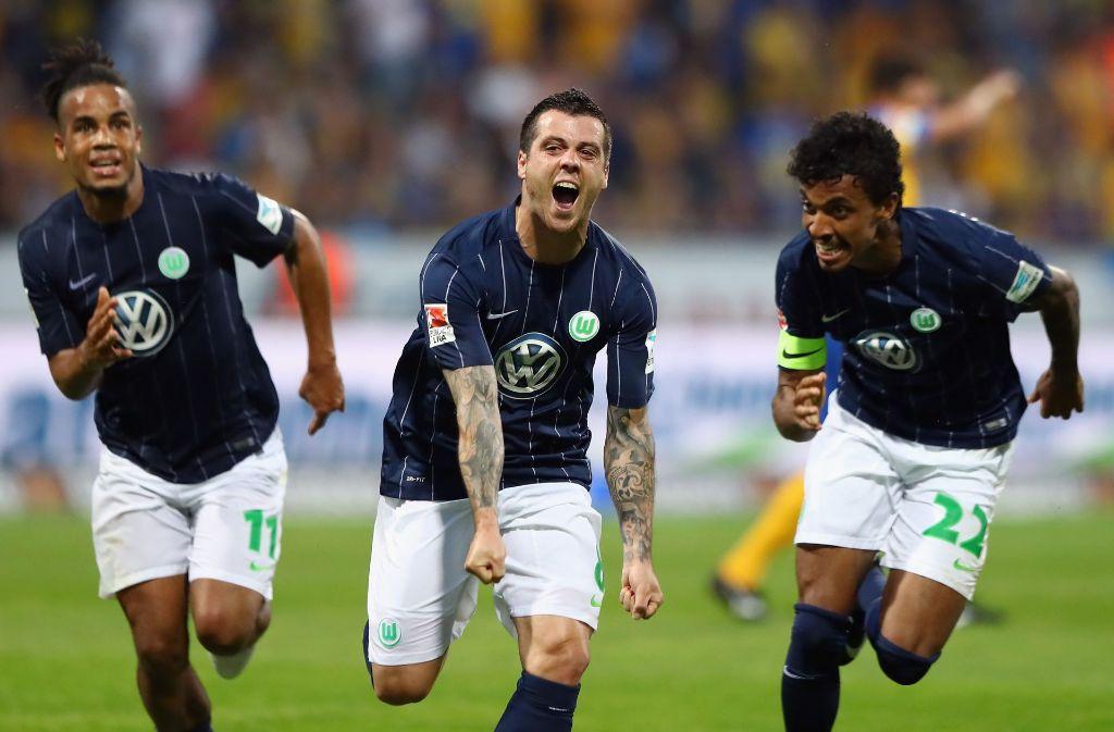Vierinha (Mitte) erzielte den Siegtreffer. Foto: Bongarts
