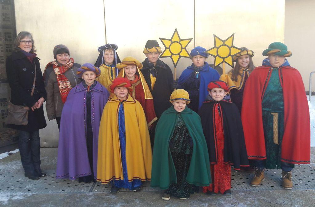 In den vergangenen Tagen sind die Sternsinger, hier von der katholischen Gemeinde St. Ulrich auf dem Fasanenhof, um die Häuser gezogen. Foto: z/privat