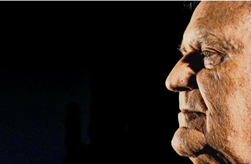 Der frühere Ministerpräsident Erwin Teufel ist immer noch viel unterwegs – auch auf dem Buchmarkt. Ein neues Werk liegt vor. Foto: dpa
