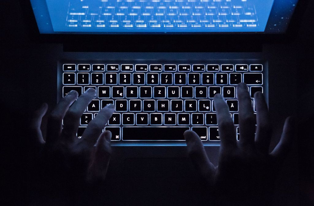 Im Darknet läuft der Datenverkehr   über verschiedene, zufällig ausgewählte Knoten und ist mehrmals verschlüsselt. Foto: dpa