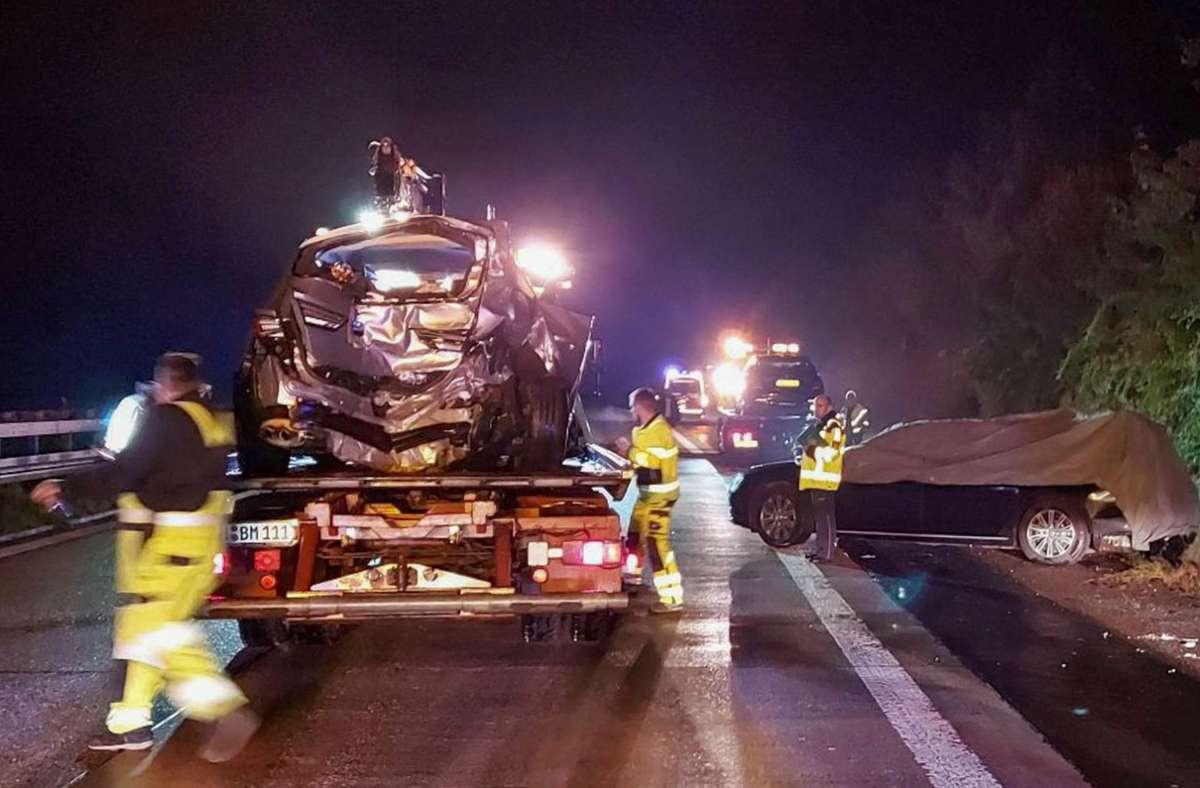 Der Dienstwagen von Regierungschef Winfried Kretschmann war am Montag bei Möckmühl nördlich von Heilbronn in einen schweren Unfall verwickelt. Foto: dpa/Franziska Hessenauer