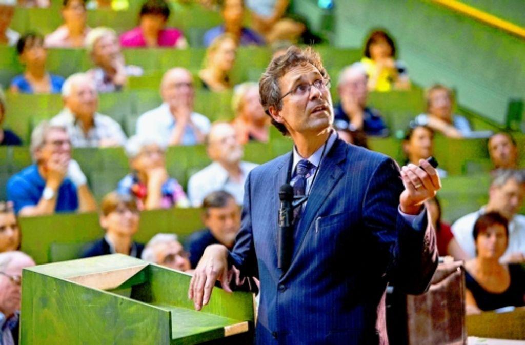 Soziale Beziehungen sind wichtig, sagt Andreas Meyer-Lindenberg. Foto: Michael Steinert