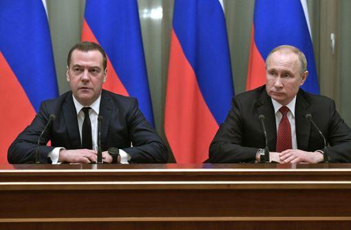 Russlands Regierung tritt zurück