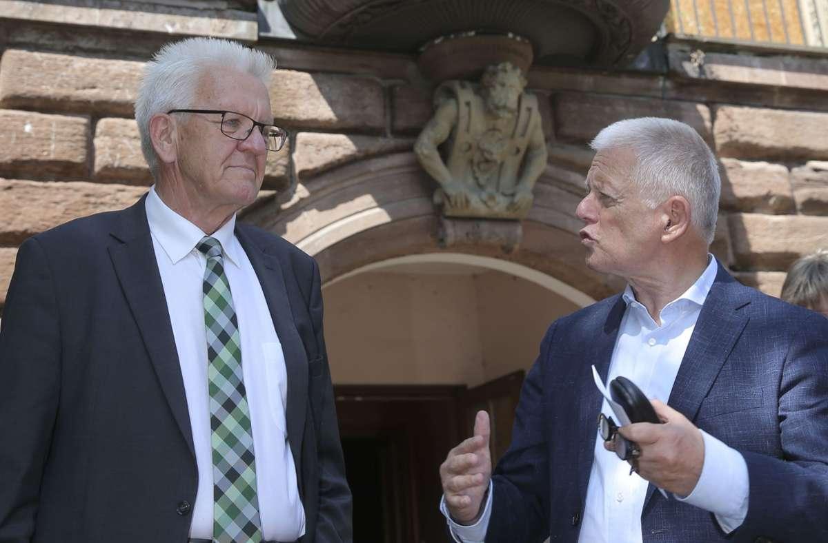 Zwei Grüne mit unterschiedlicher Perspektive: Ministerpräsident Winfried Kretschmann (li.) will wiedergewählt werden, Fritz Kuhn geht in Ruhestand. Foto: Lichtgut/Leif Piechowski