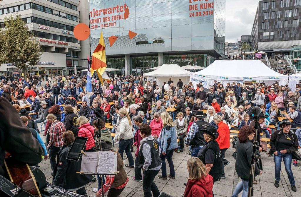 Stuttgart zieht auch im kommenden Jahrzehnt viele Menschen an. Foto: SDMG