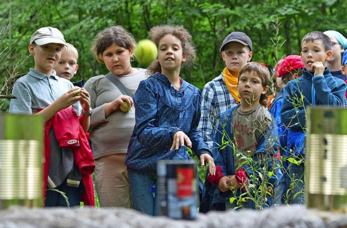 Im Waldheim können Kinder ihre Ferien genießen, spielen, alte und neue Freunde finden. Foto: dpa/Uwe Anspach