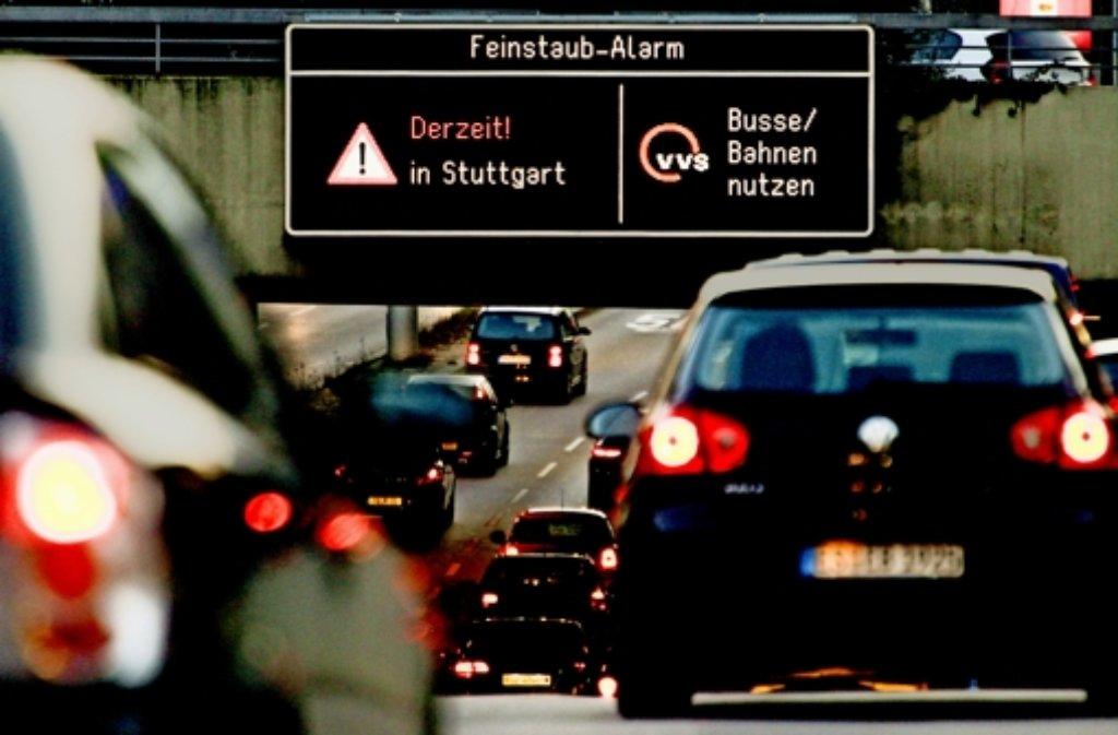 Die Hilferufe blieben auch beim zweiten Feinstaubalarm in Stuttgart weitgehend ungehört: Das schöne Wetter hatte eine zu starke Anziehungskraft. Foto: Lichtgut/Leif Piechowski