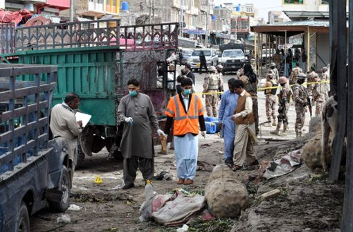 Etwa 20 Tote bei Selbstmordanschlag auf Markt in Pakistan