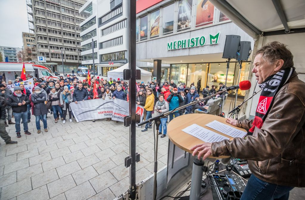 Uwe Meinhardt (Erster Bevollmaechtigerter der IG Metall Stuttgart') bei seiner Rede. Foto: Lichtgut/Julian Rettig