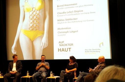 Im Haus der Geschichte wurde zu den Produktionsbedingungen von Kleidung mit Experten diskutiert. Foto: Seng