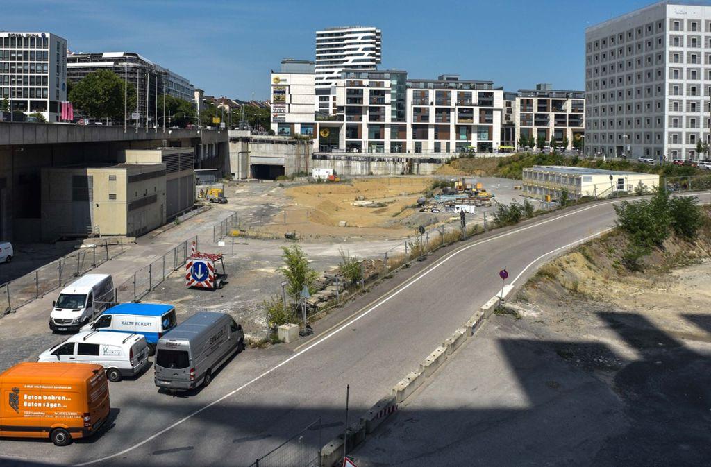 Das Bahngrundstück unterhalb der Heilbronner Straße soll 2019 auf den Mark kommen. Foto: Lichtgut/Max Kovalenko