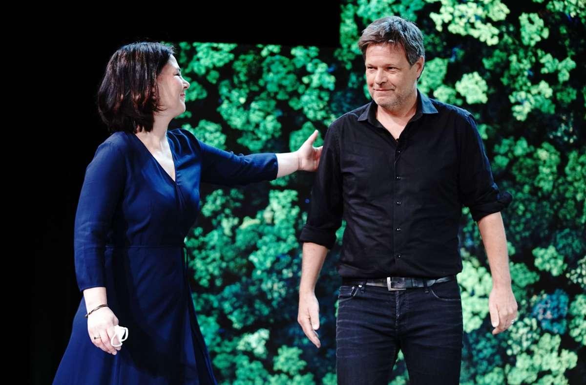 Robert Habeck tritt einen Schritt zurück, Annalena Baerbock wird Kanzlerkandidatin der Grünen. Foto: dpa/Kay Nietfeld