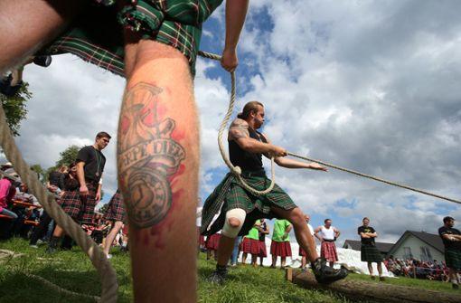 Skurrile Wettkämpfe im Schottenrock