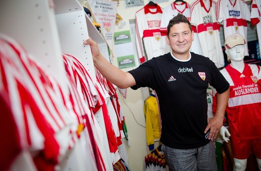 VfB-Fan hat eigenes Trikot-Museum auf dem Dachboden