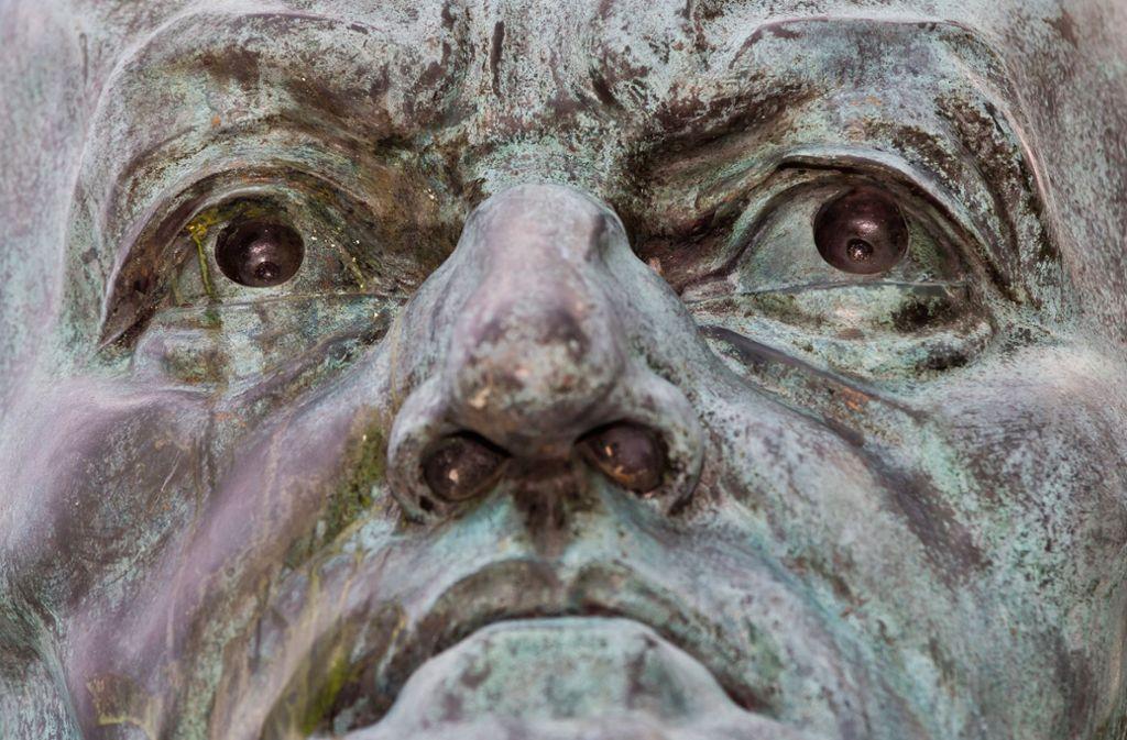 Grimmig schaut diese Büste des  in Israel verpönten Komponisten Richard Wagner drein.   Sie ist ein 1986 entstandenes Spätwerk des früheren Nazi-Günstlings Arno Breker. Foto: dpa